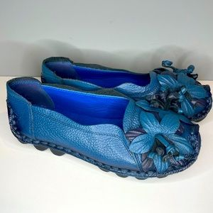 Socofy Soft Blue Leather Flower Comfort Loafers